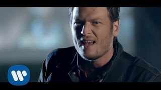 "Blake Shelton – ""Footloose"" with Lyrics"