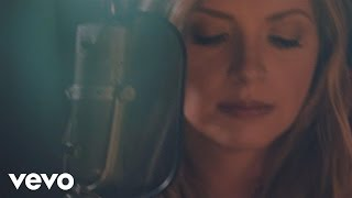 "Carly Pearce – ""Every Little Thing"" with Lyrics"